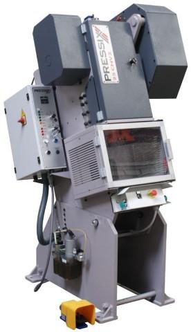 25CNV4 presa instalirana u kosu konfiguraciju